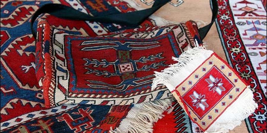 پذیرش سفارش انواع ورنی و قالیچه وگبه وکلیم و سایر صنایع دستی بافتنی درمهد ورنی بافی جهان نجف تراکمه